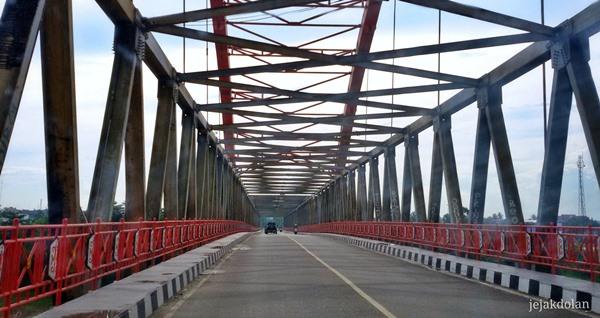 Bagian Atas Jembatan Kahayan