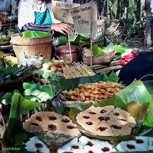 Kuliner di Pasar Papringan