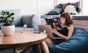 Isi Liburan Dengan Membaca Buku