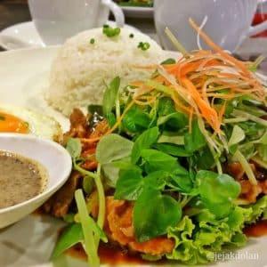 Lok Lak - Makanan Khas Kamboja Yang Wajib Dicoba