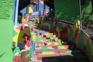 Tangga Warna-Warni di Kampung Jodipan Malang