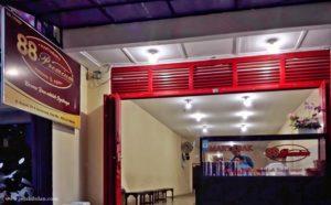 Martabak Red Velvet dari Martabak 88 Premium Semarang