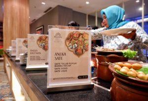Berbuka di Warung Angkringan Ramadan