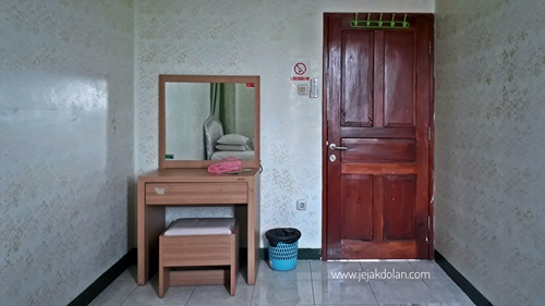 Kamar di Imam Bonjol Hostel Semarang