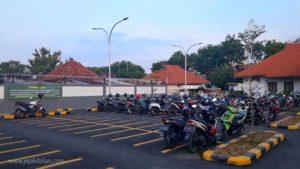 Tarif Parkir Sepeda Motor Stasiun Poncol dan Stasiun Tawang